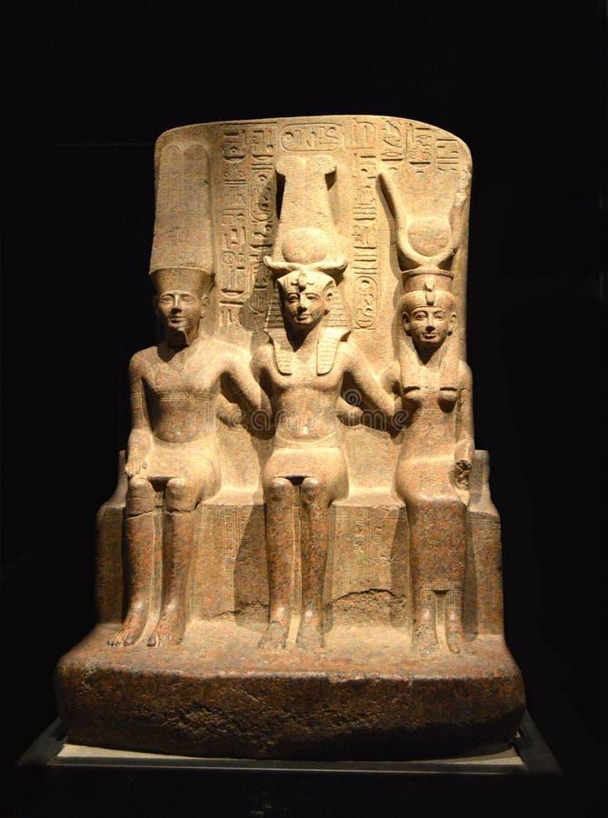 Statue de pharaon dans le musée archéologique photographie stock libre de droits