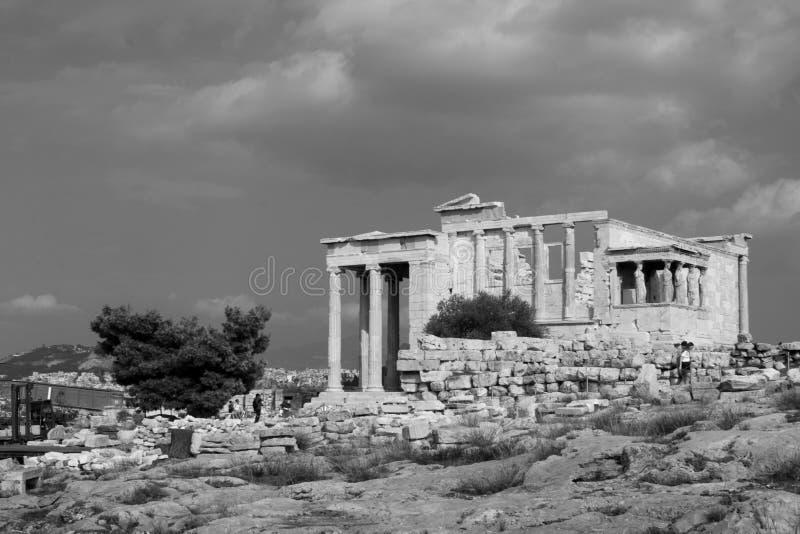 Statue de photo noire et blanche de statue en bronze d'Athena Promachos images stock