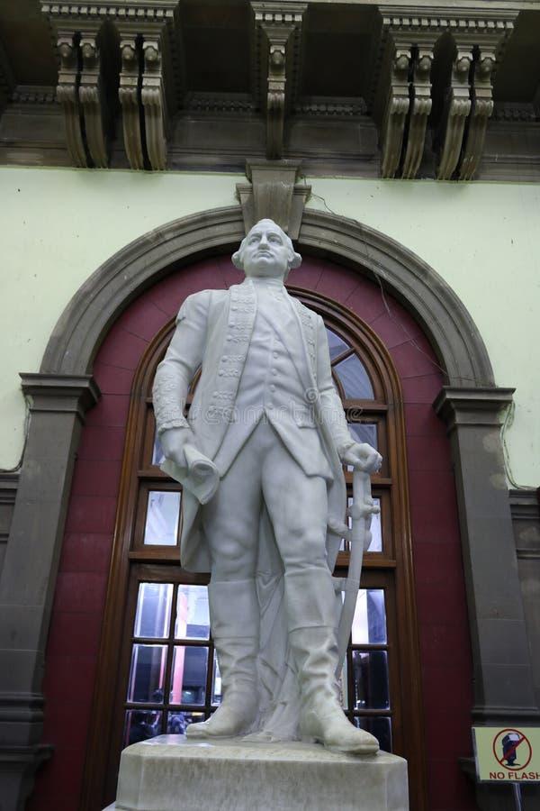 Statue de pose de position de Lord Clive photographie stock libre de droits