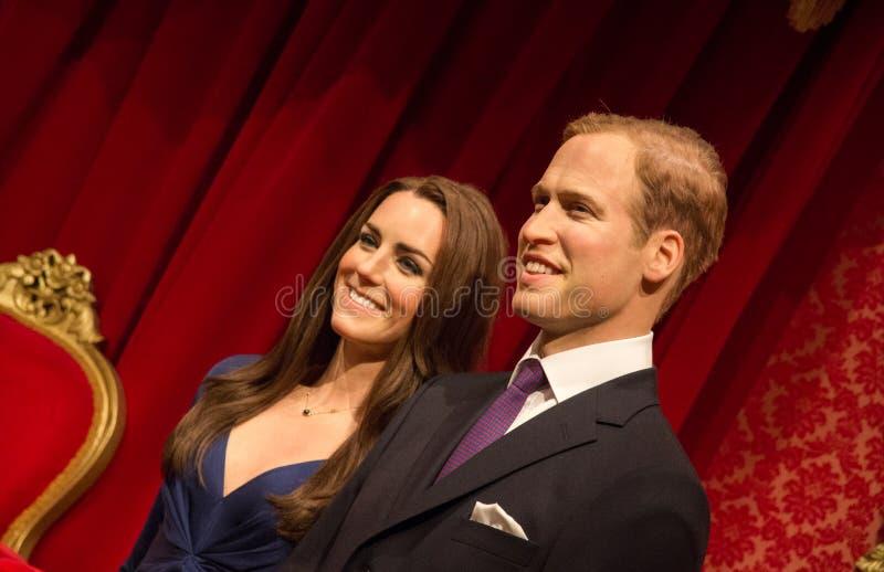 Statue de prince William et Catherine Middleton image stock