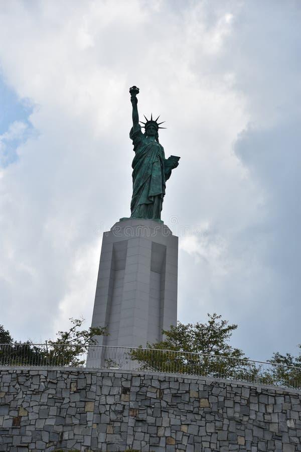 Statue de reproduction de liberté chez Liberty Park en collines de Vestavia en Alabama photos libres de droits