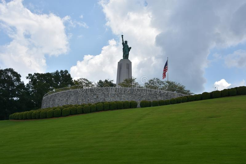 Statue de reproduction de liberté chez Liberty Park en collines de Vestavia en Alabama photo libre de droits