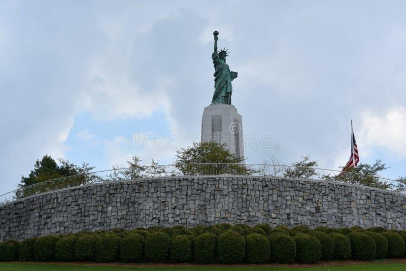 Statue de reproduction de liberté chez Liberty Park en collines de Vestavia en Alabama image libre de droits