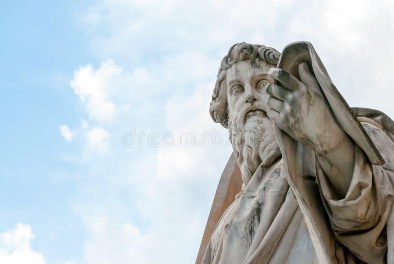 Statue de Saint Paul l'apôtre II images libres de droits