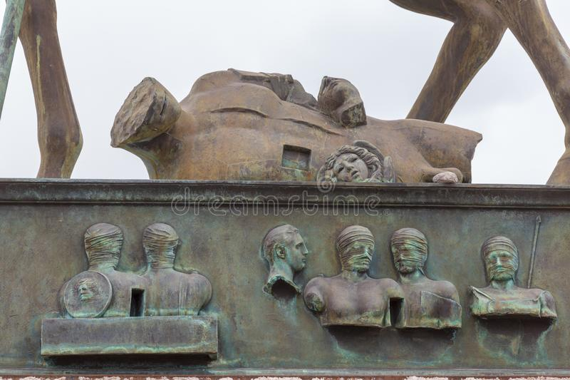 Statue de sculpteur Mitoraj ? la ville romaine antique de Pompeii, Italie image stock