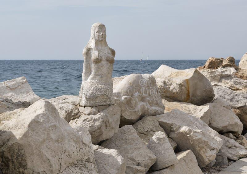Statue de sirène dans Piran, Slovénie photos libres de droits