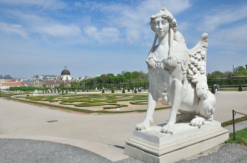 Statue de sphinx, jardins de belvédère à Vienne photo stock