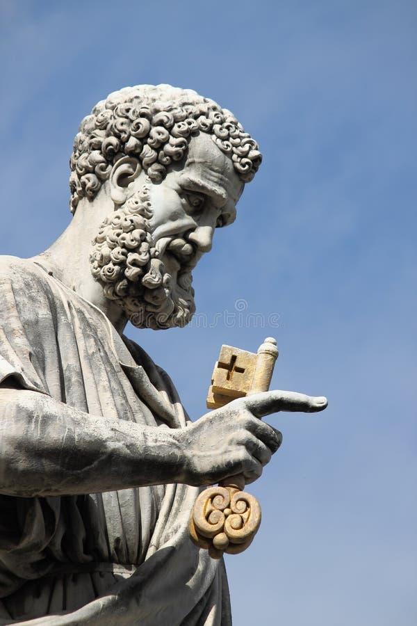 Statue de St Peter l'apôtre photos stock