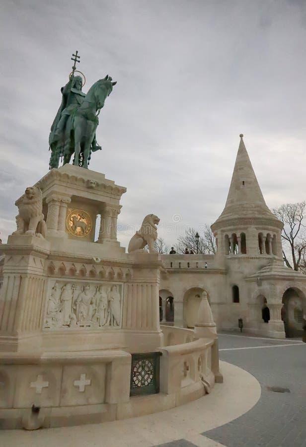 Statue de St Stephen I de la Hongrie dans la bastion des pêcheurs image libre de droits