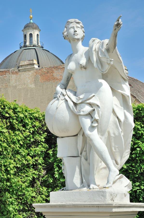 Statue de Vienne dans des jardins de belvédère photos libres de droits