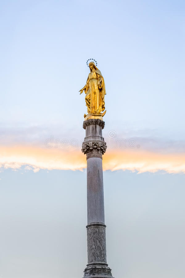 Statue de Vierge Marie à Zagreb photo stock