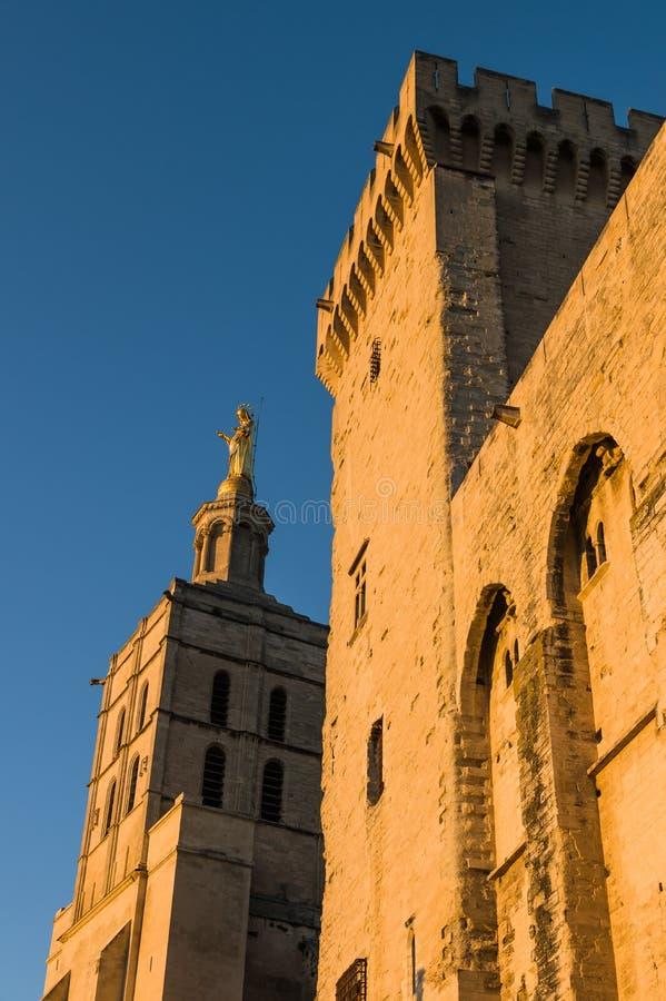 Statue de Vierge Marie Avignon, France photo stock