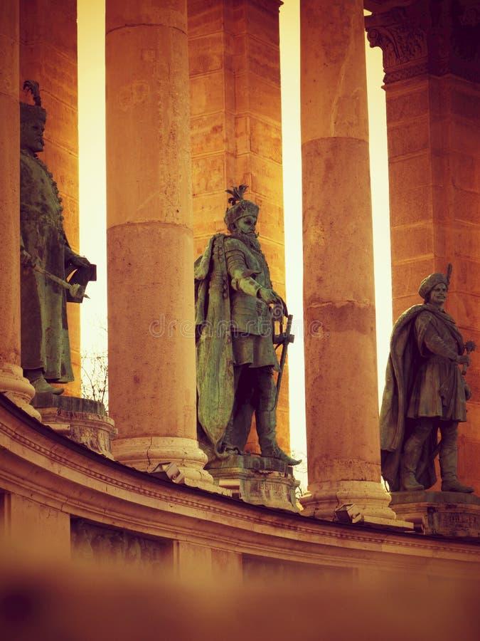 Statue degli eroi fotografia stock