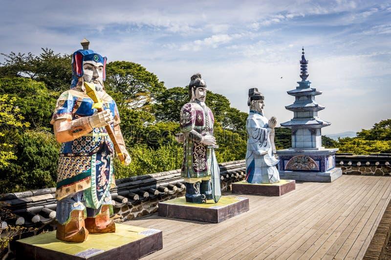 Statue dei guerrieri coreani buddisti fotografia stock
