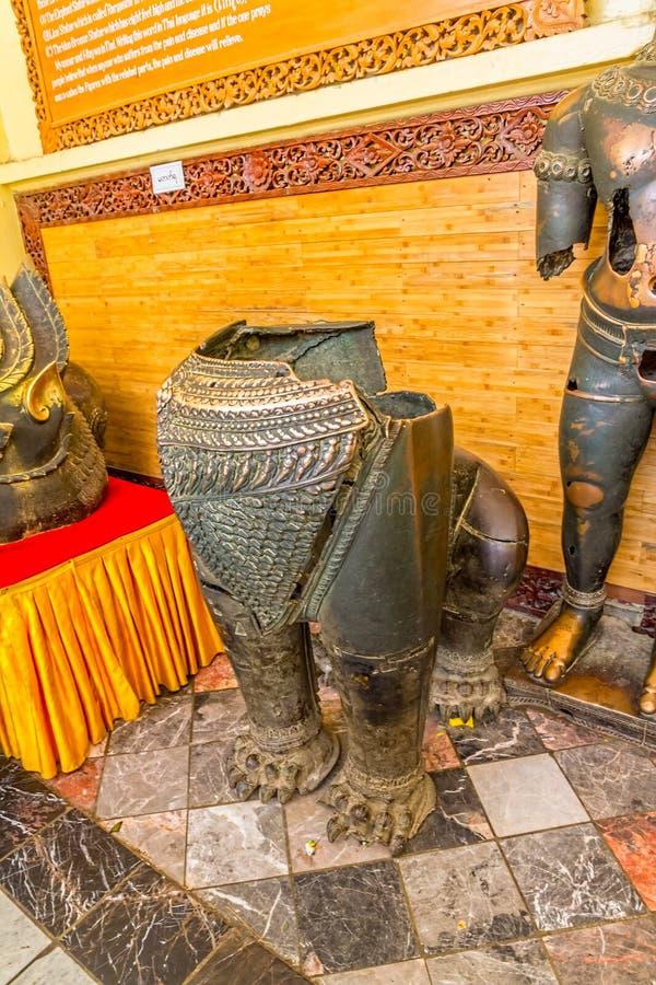 Statue del bronzo di Mahamuni fotografia stock
