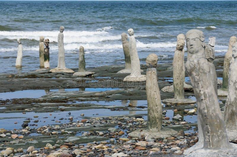 Statue del lavoro in pietra che conducono nella st Laurence River fotografia stock libera da diritti