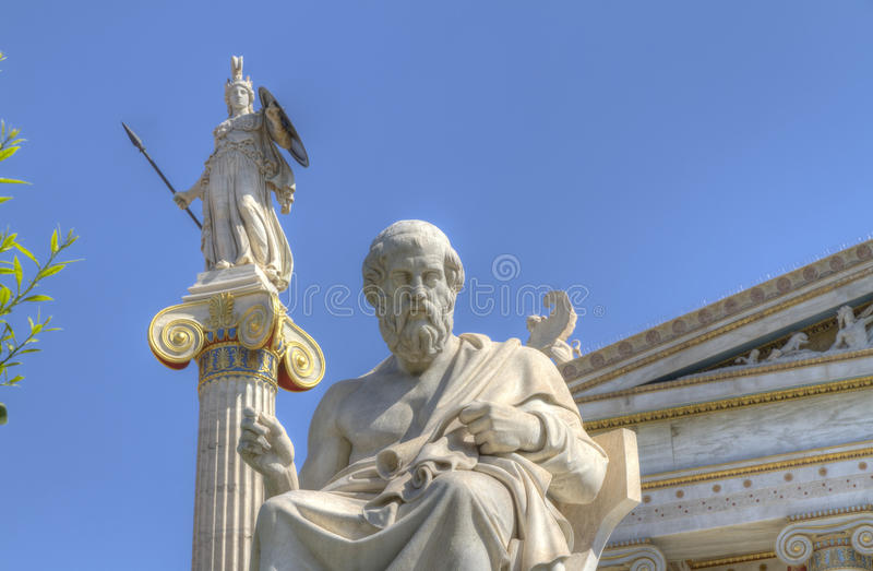 Statue dell'accademia del Athena e Platone di Atene fotografia stock libera da diritti