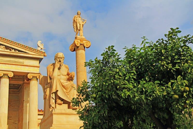 Statue dell'accademia nazionale delle arti a Atene, Grecia fotografia stock libera da diritti