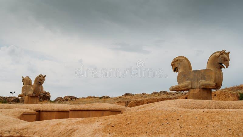 Statue della testa di cavallo Persepolis era la capitale cerimoniale dell'impero di achemenide immagini stock