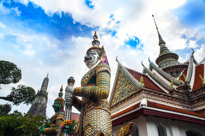 Download Statue Of Demon (Giant, Titan) At Wat Arun, Landmark And No. 1 Tourist Attractions In Thailand. Stock Image - Image: 32353843