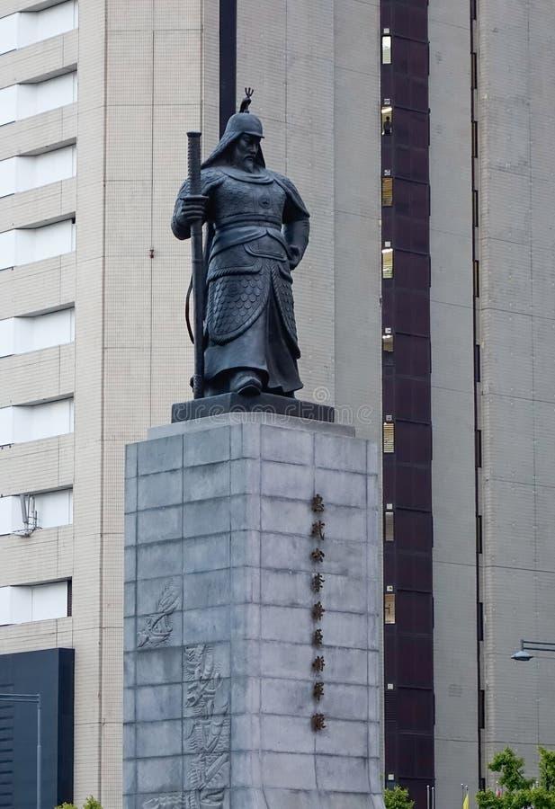 Statue des Admirals Yi Sun-Sin lizenzfreie stockfotos