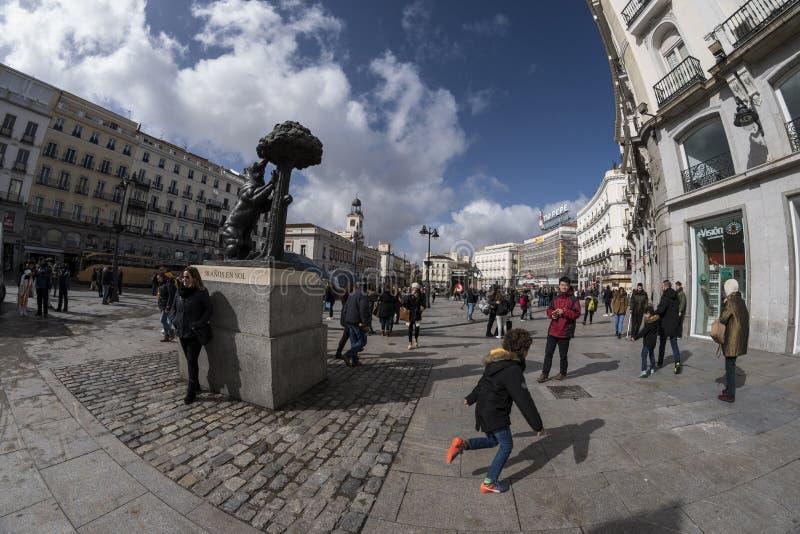 Statue des EL Madroño Oso y in Puerta del Sol Madrid, März stockfotografie