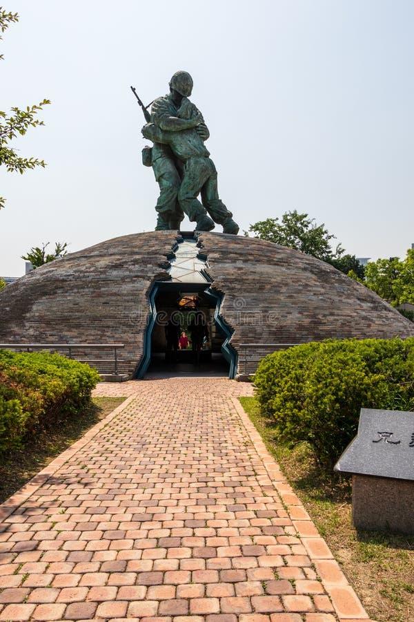 Statue des frères à l'intérieur du mémorial de guerre de la Corée pour la réunification paisible Yongsan, Séoul, Corée du Sud, As photographie stock libre de droits
