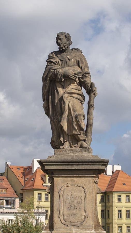 Statue des Heiligen Jude Thaddeus, Charles Bridge, Prag, Tschechische Republik lizenzfreie stockbilder