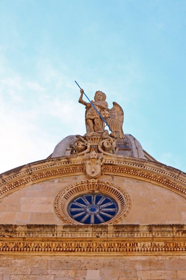 Statue des Heiligen Michael stockfoto