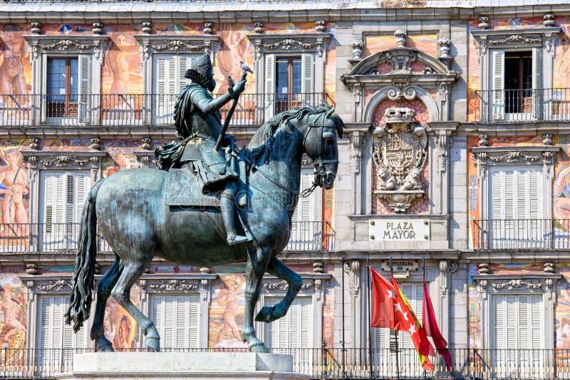 Statue des Königs Philip III am Piazza-Bürgermeister stockfotografie