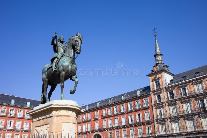 Statue des Königs Philip III am Piazza-Bürgermeister lizenzfreie stockfotos