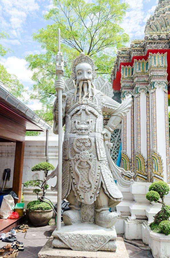 Statue des Mannes bei Wat Pho lizenzfreie stockfotografie