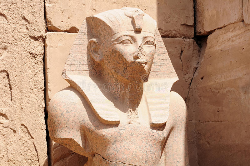 Statue des Pharaos lizenzfreie stockfotografie