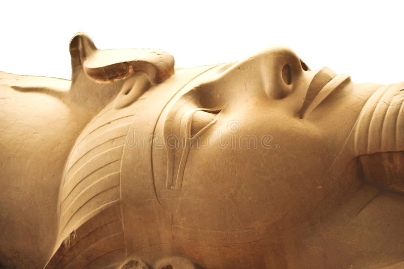 Statue des Pharaos Ramses II stockfotos