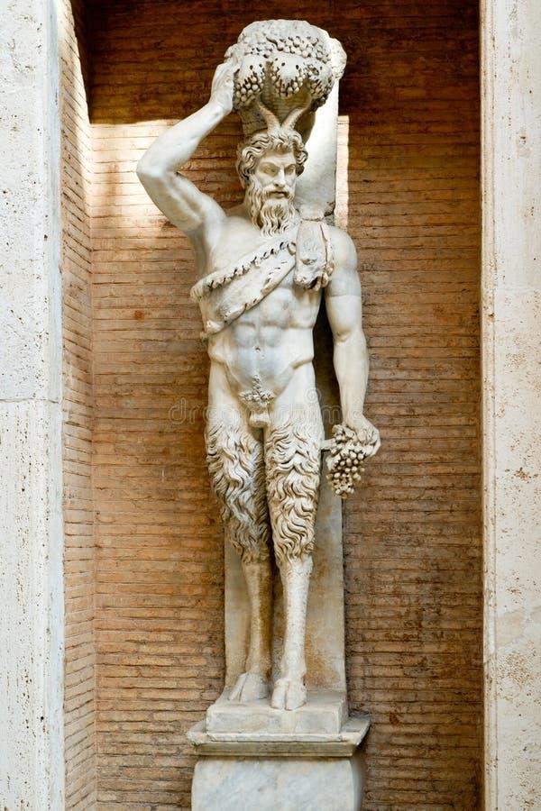 Statue des römischen Gottes des Faun in Rom lizenzfreie stockbilder