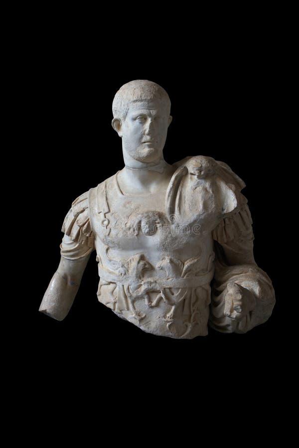 Statue des römischen Kaisers mit Pfad stockbilder