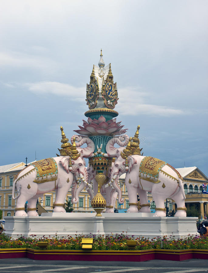 Statue des rosa Elefanten stockfoto
