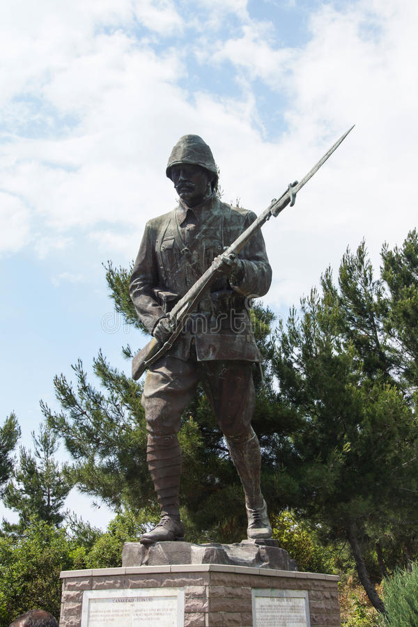 Statue des türkischen Infanteriemannes stockfotos