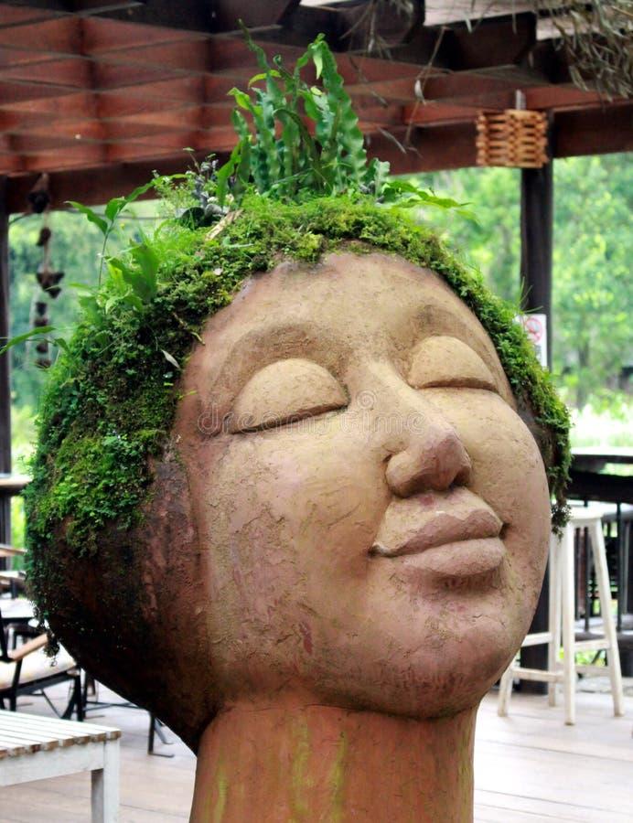Statue devant image libre de droits