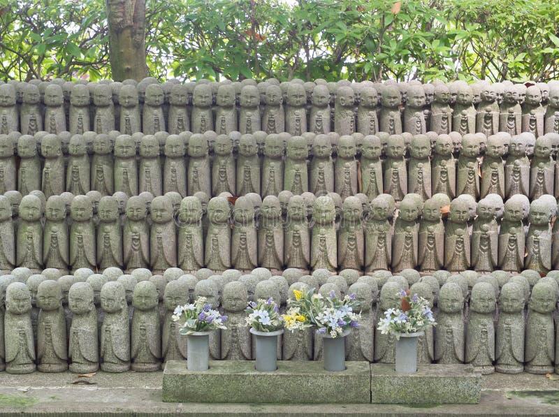 Statue di bodhisattva di Jizo al tempio di Hase-dera a Kamakura, Giappone fotografia stock