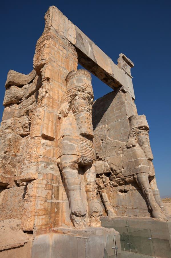 Statue di Lamassu del gigante che custodicono il portone dell'entrata di tutte le nazioni in Persepolis immagini stock