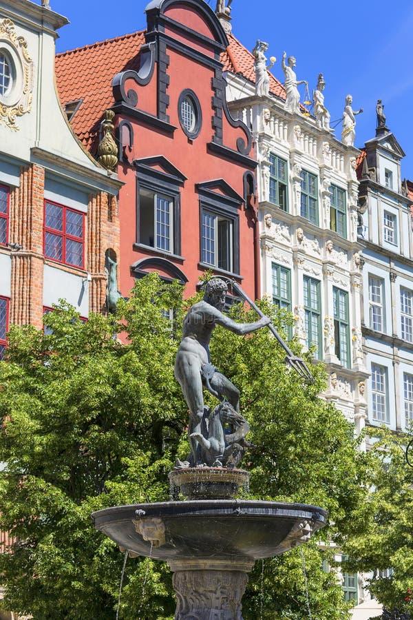 Statue du 17ème siècle de fontaine du ` s de Neptune à la rue de marché à terme, Danzig, Pologne photos stock