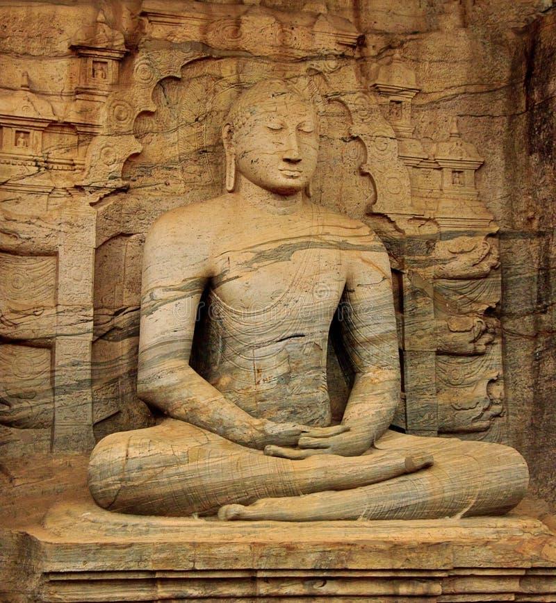 Statue Du Bouddha Brun Domaine Public Gratuitement Cc0 Image