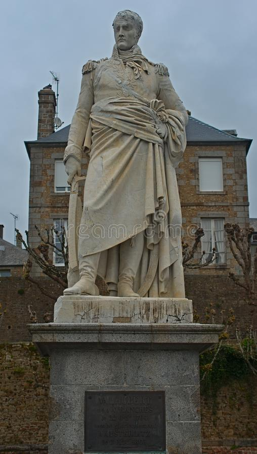 Statue du Général Jean Marie Valhubert dans Avranches dans le département de la Manche de la France image libre de droits