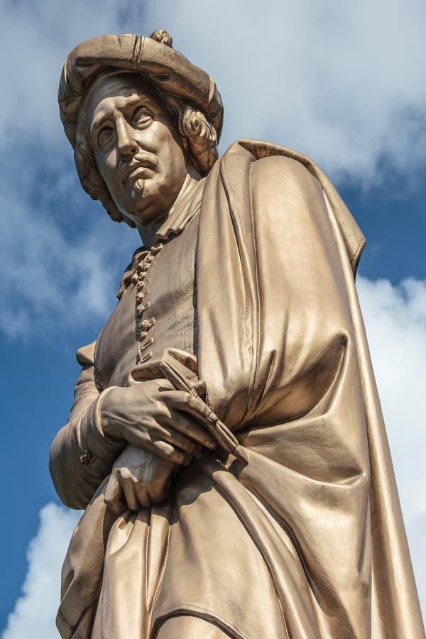 Statue du peintre hollandais Rembrandt Van Rijn photographie stock
