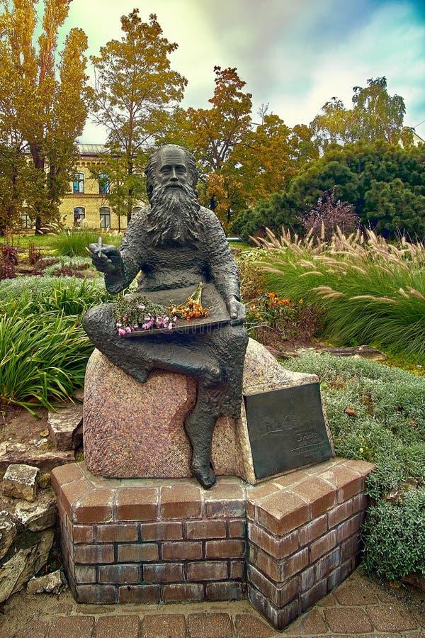 Statue du peintre Irbite Voldemars Irbe par Andris Varpa à Riga, Lettonie images libres de droits
