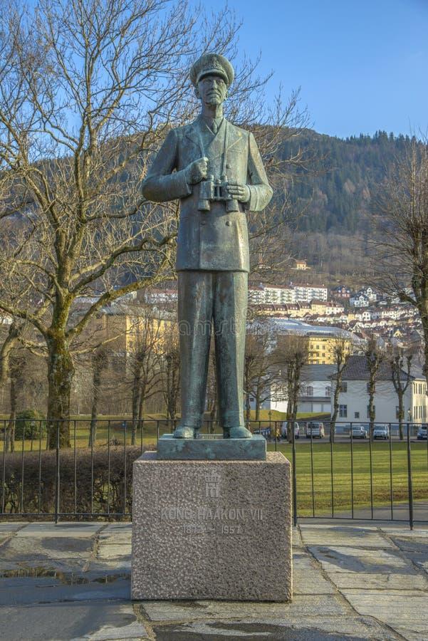 Statue du Roi Hakon VII de la Norvège photographie stock libre de droits