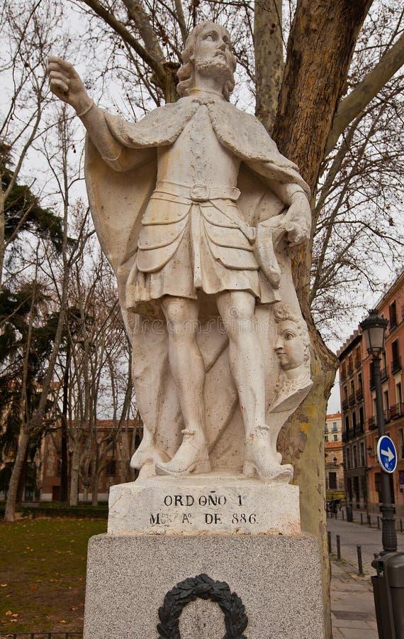 Statue du Roi Ordono I (vers 1753).  Madrid, Espagne photographie stock