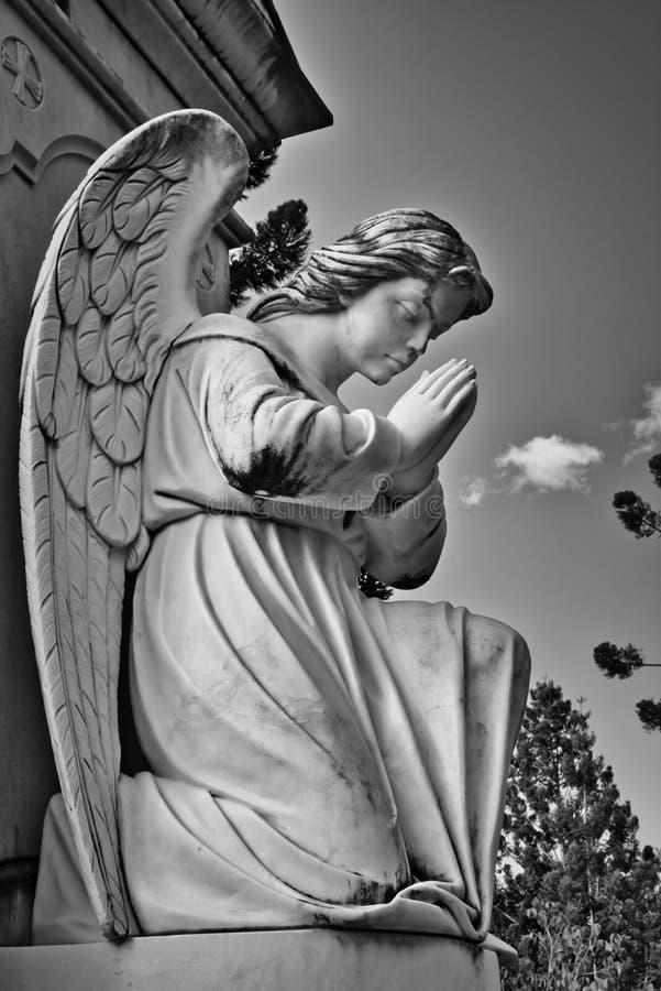 Statue e monumenti, monumenti del cimitero immagine stock libera da diritti