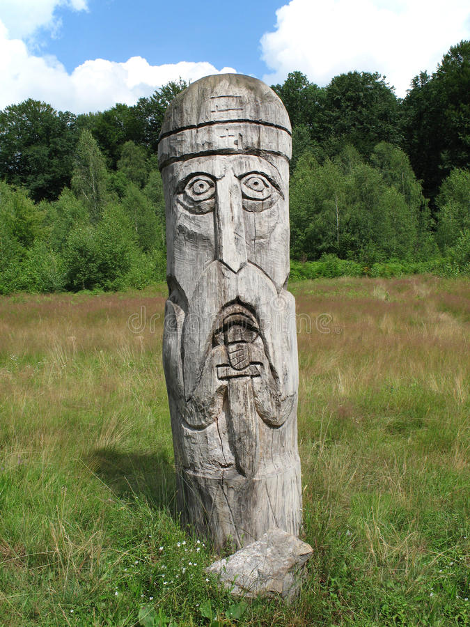 statue en bois image stock